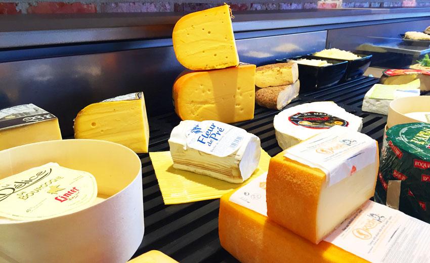 Lunch du midi, Dessert fromage et crèmerie à Mouscron, <p> Un large choix de fromages belges. Du Carr&eacute; de Li&egrave;ge au piquant d&#39;Anvers en passant par le Chimay, red&eacute;couvrez les richesses de notre patrimoine.</p>
