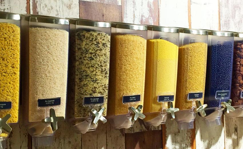 Lunch du midi, Dessert fromage et crèmerie à Mouscron, <p> Des produits classiques (farine, sel, sucre, huile, vinaigre, riz, chips et biscuits...)aux produits plus luxueux (th&eacute; KUSMI TEA, Huile OLINEA en spray produite dans la r&eacute;gion...), des c&eacute;r&eacute;ales et des fruits secs en vrac.(</p>